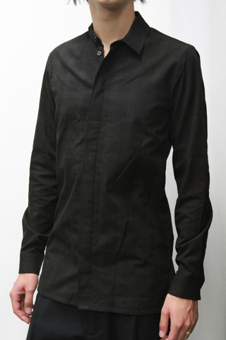 SHIRT WITH TWISTED COLLAR
